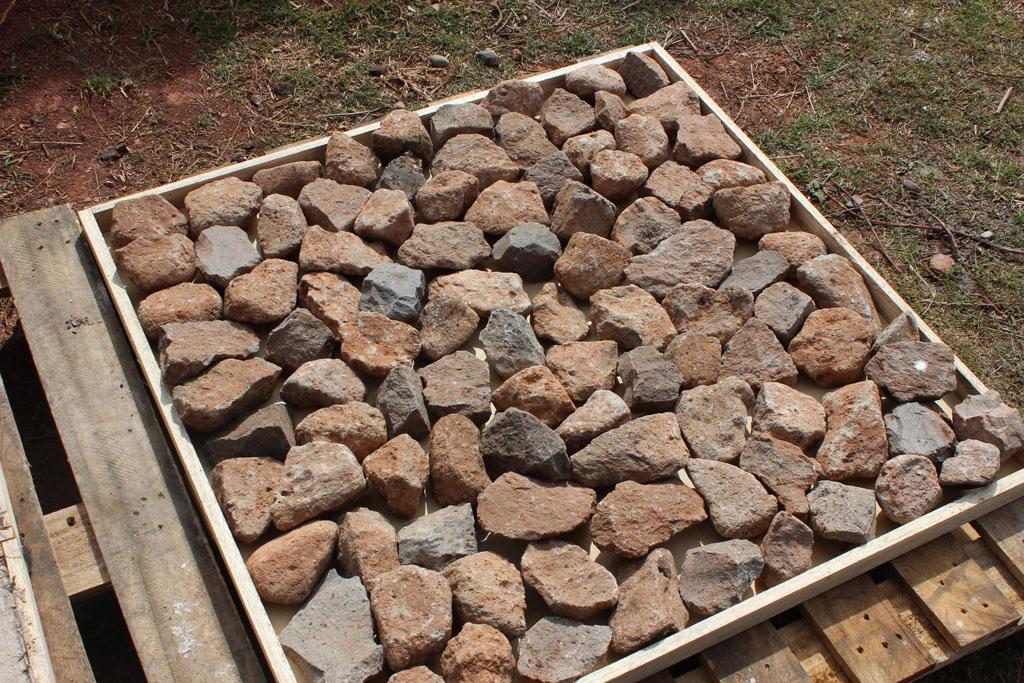 Materiales saludables: prueba de piedras locales. Healthy materiales: local stones testing.