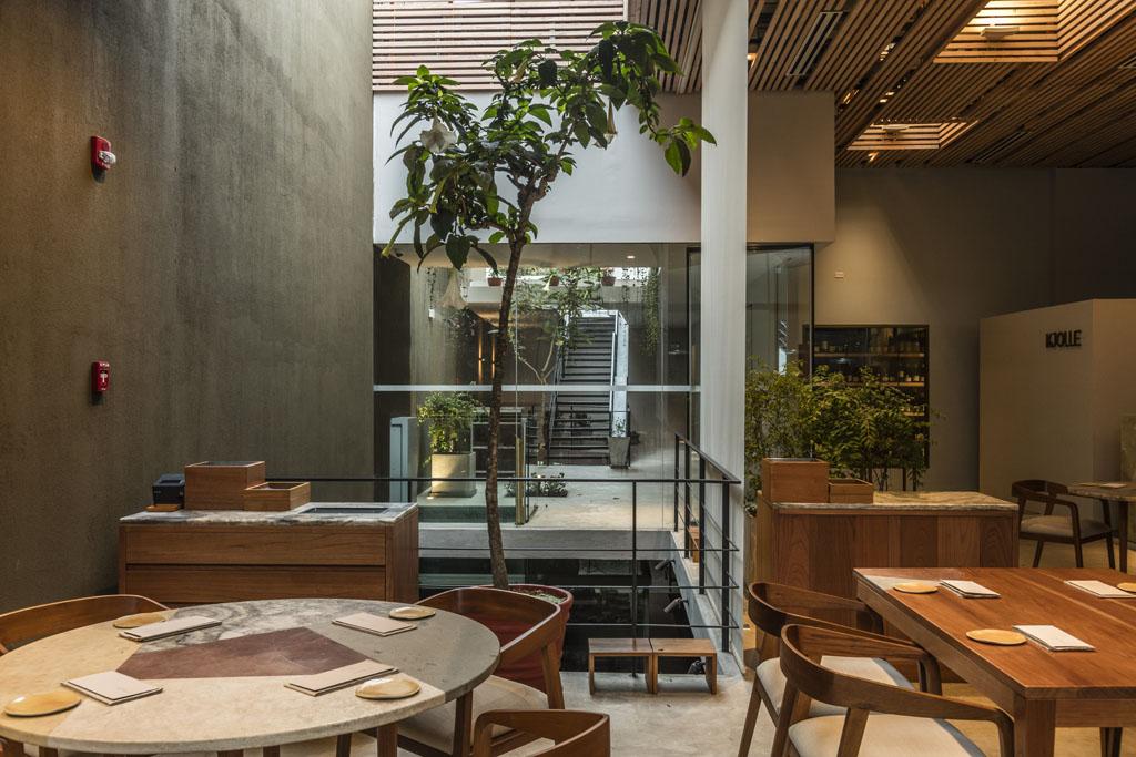 Interior de restaurante Kjolle de la chef Pía León